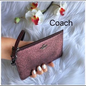 JUST IN ✔️COACH WRISTLETS